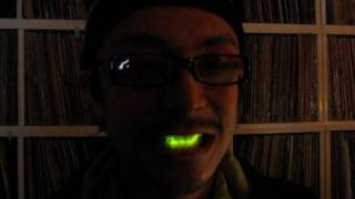 LED in my mouth -test0 (Daito Manabe)
