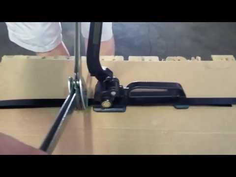 Demonstration of Steel Strapping Tensioner