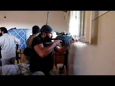 Syrian rebels fight for key town of Maaret al-Numan