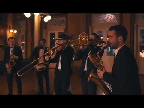 Noche de Paz Funky Silent night funk   Galifunk Brass HD
