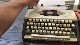 1966 Olympia SF DeLuxe Typewriter Cursive Script Ultraportable