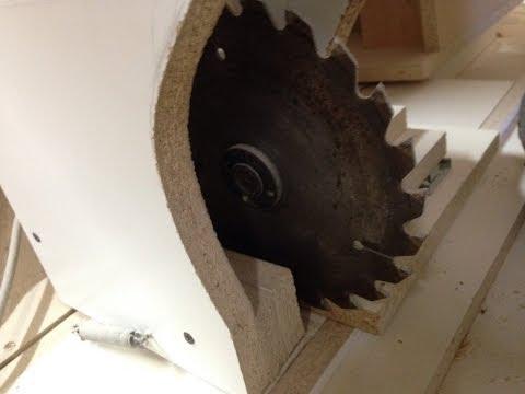 DIY lathe using saw