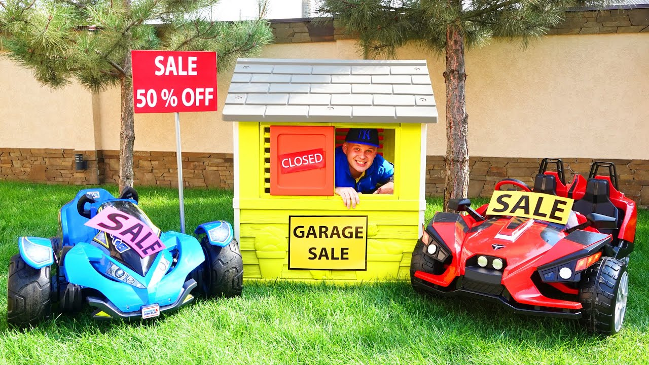 Dima and Daddy pretend play with toy cars garage sale