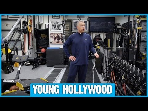 Celeb Trainer Gunnar Peterson Teaches Us 4 Simple Exercises!