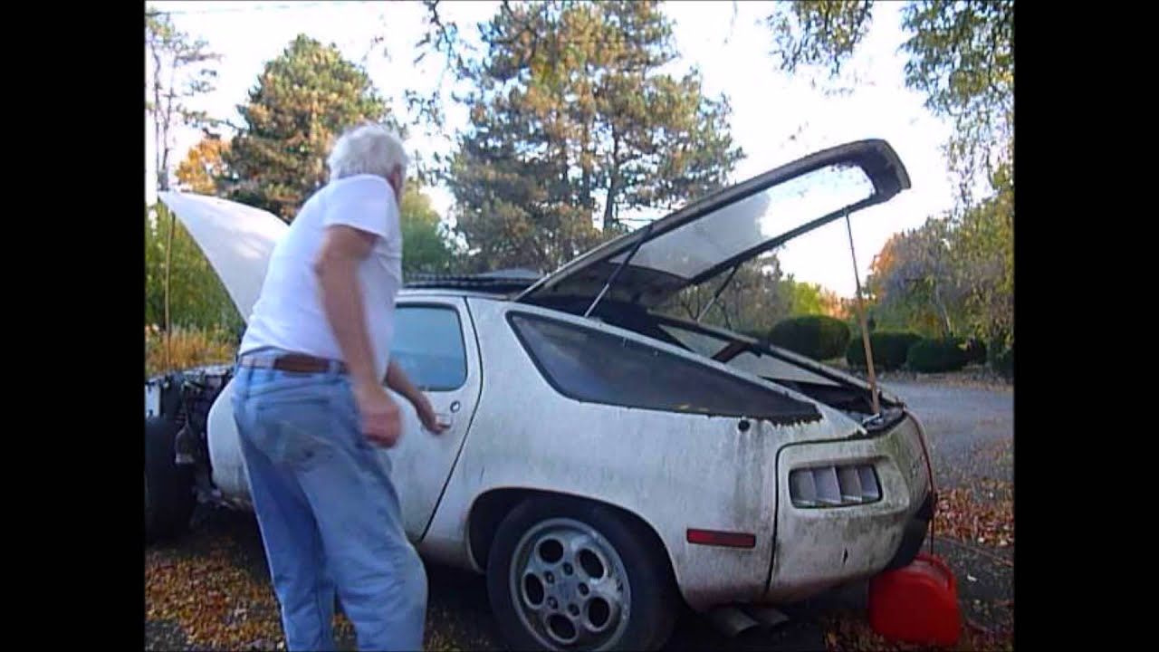 Porsche 928 parts car engine start - YouTube