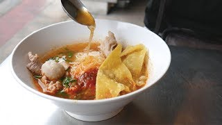 Thai street foods you MUST EAT - THAI STREET FOOD TOUR | Food and Travel Channel | Bangkok