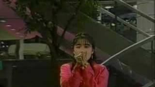 1990年5月19日 静岡第一テレビ「JANJANサタデー」にて。曲だけではなく...