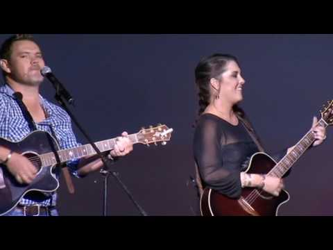 Wynand en Cheree – Make it through the night (Live @ Afriganza 2014)