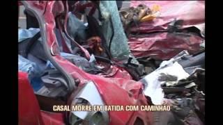 Casal morre em acidente entre carro e caminhão na BR-365