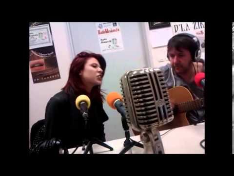 Gloria Gama Studio de Radio Toulouse Metropole2