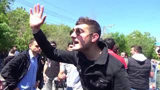 Ապրիլյանի մասնակիցները գնացին ոստիկանների աչքերի մեջ նայելու