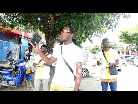 (Maagdenstraat, Paramaribo) (1) Twalfoe Lo straat prediken.