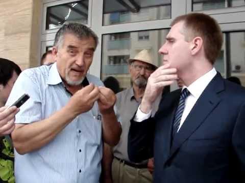 Premijer Igor Luksic i performans Andrije Markusa