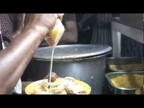 Indian street food: Chaat at Malleshwaram, Bangalore- Dahi Puri