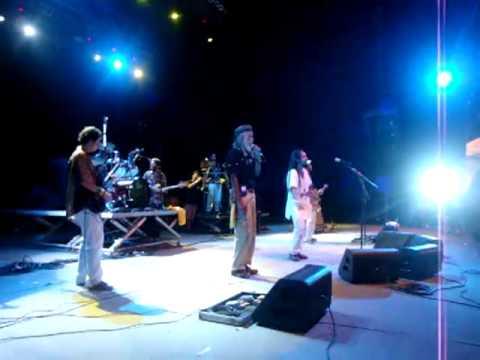 Ponto de Equilíbrio - Novo dia (feat the congos)