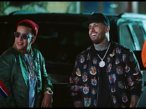 Daddy Yankee, Nicky Jam - El Party Me Llama (Music Video)