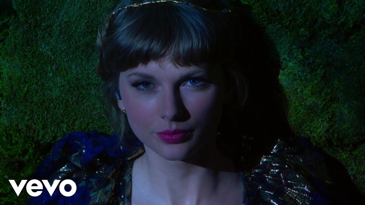 Download Taylor Swift - cardigan / august / willow (Live From The 63rd GRAMMYs ® / 2021)