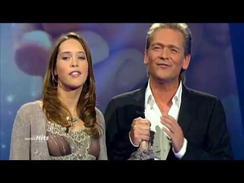 Olaf Berger & Maria  Lend a Hand 2005