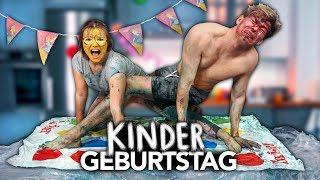 2 ERWACHSENE FEIERN KINDERGEBURTSTAG - EXTREM mit Julia Beautx | Joey's Jungle