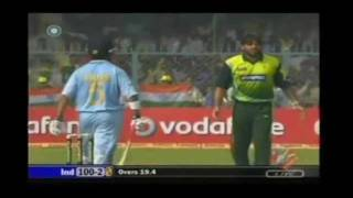 Pakistani cricket boys- .duniya ki aesi tesi -(Destruction of opponents)