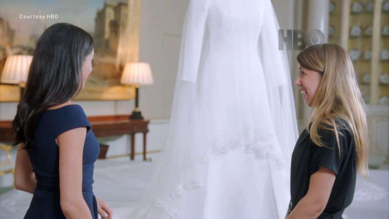 Psychic twins claim Princess Diana has 'warned' Prince Harry and