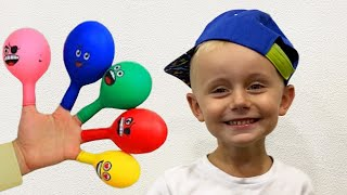 Pretends to play with her Magic balloon - Preschool toddler learn color تعليم الالوان بالانجلي