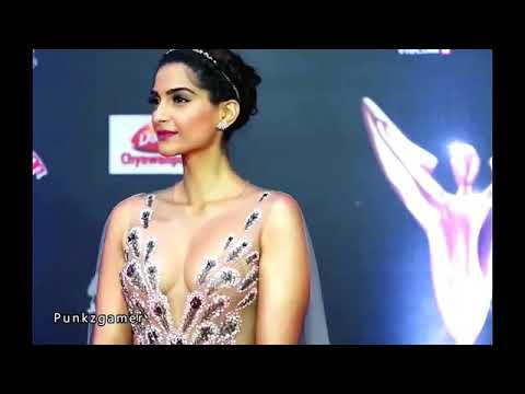 Sonam kapur boobs show thumbnail