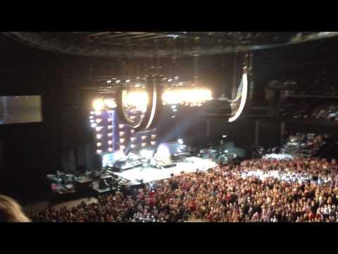 Fleetwood Mac - Don't Stop, The Hydro, Glasgow