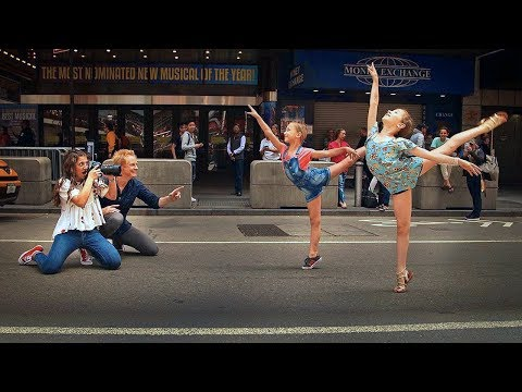 10 Minute Photo Challenge with JORDAN MATTER & Dance Moms Ellie & Lilly