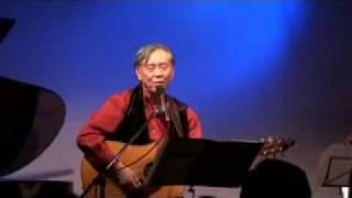 山名敏晴さんがオリジナル曲「愛しくて」を歌われています。 (撮影「た...