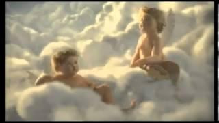 Реклама Mersedes  ангел хранитель
