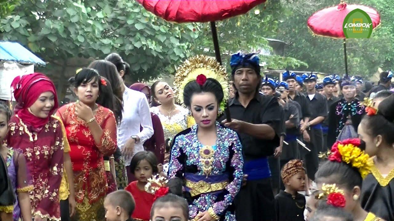 Pengantin Lombok Tengah di Sambut Pengiring Cantik-cantik Dari Lombok Timur