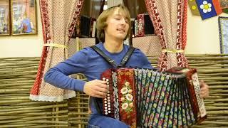Долгожданные уроки на гармони от Павла Уханова