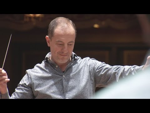 Columbus Symphony Orchestra conductor loves his job and the city
