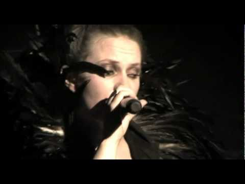 Petra Jean Phillipson- Ice In June (Live)