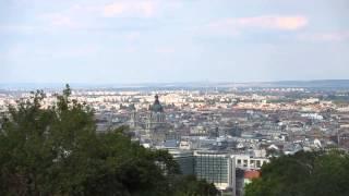 Панорама Будапешта с горы Геллерт(Одной из главных достопримечательностей Будапешта считается гора Геллерт, с которой открывается великоле..., 2013-09-02T13:41:25.000Z)