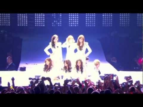 SNSD - Genie (Live Remix Ver.) [ENG SUB]