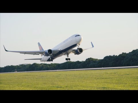 Tampa International Airport - Quick Airside E Tour - Delta, Frontier, Air Canada