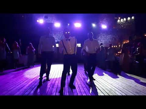 kissNlove Surprise Flash Mob Wedding Dance