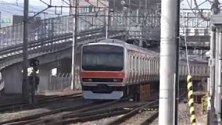189系N102編成に見送られ新しい所属先へ向かった、E231系武蔵野線改造車。