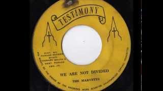 The Marvetts : He