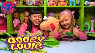 ✔ Gooey Louie. Ярослава и ее подружка Рита играют в игру для детей. Видео для девочек ✔