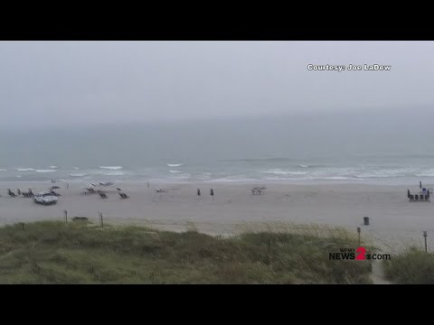 GSO-Closings (502439) - Watch the Moment Lightning Strikes the Ocean At Myrtle Beach