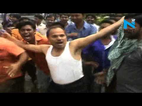 Shirtless protest by Bengal Congress MP against police