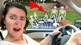 World's WORST YARD! Spooky Halloween 2020 Scavenger Hunt / K-City Family