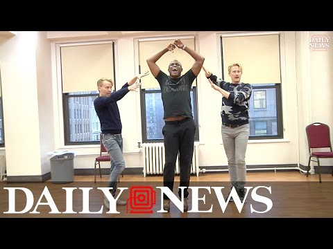 Wayne Brady preps for role in Broadway's 'Kinky Boots'