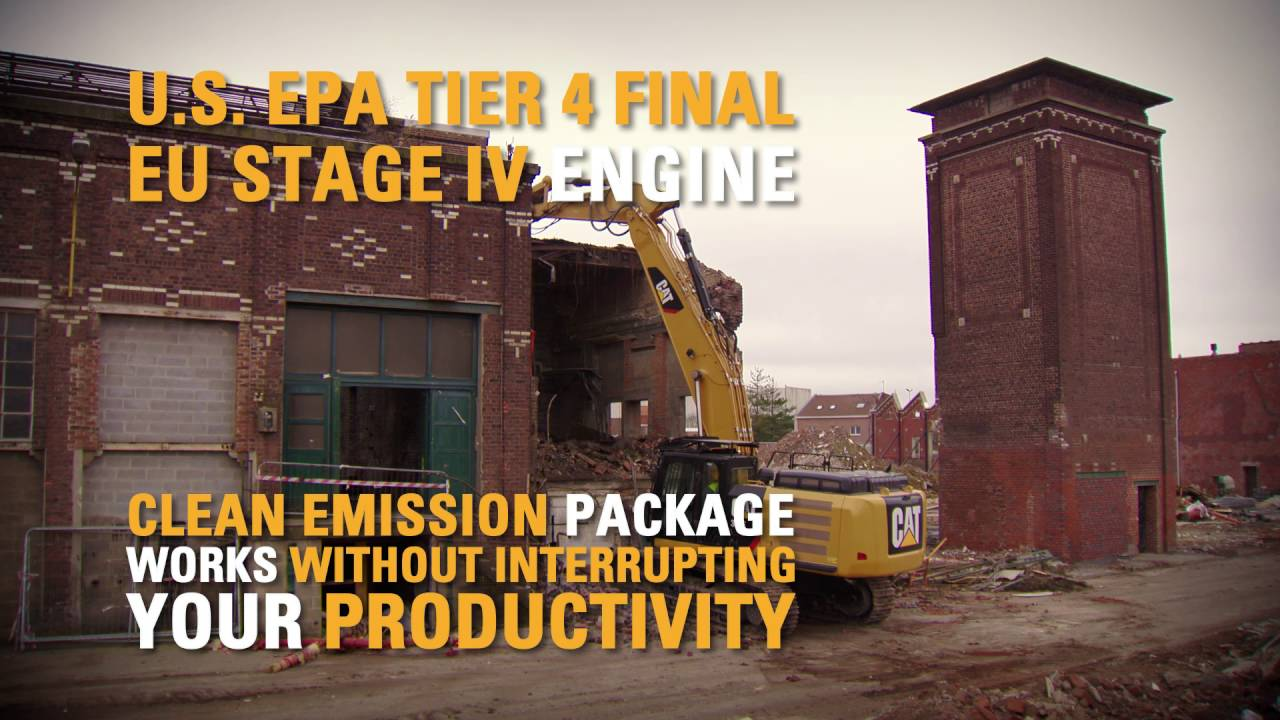 Cat® 336F Straight Boom Excavator Dismantles an Old Building (United States)