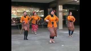 Video Tari Madura Ole Olang download MP3, 3GP, MP4, WEBM, AVI, FLV April 2018