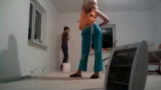 мама установила видео камеру,что бы видеть что делает няня (комната в ремонте) (мама в шоке)