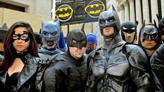 20 BATMANS vs BANE: EPIC FLASH MOB IN NYC!